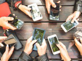 smartphones be prohibited in school